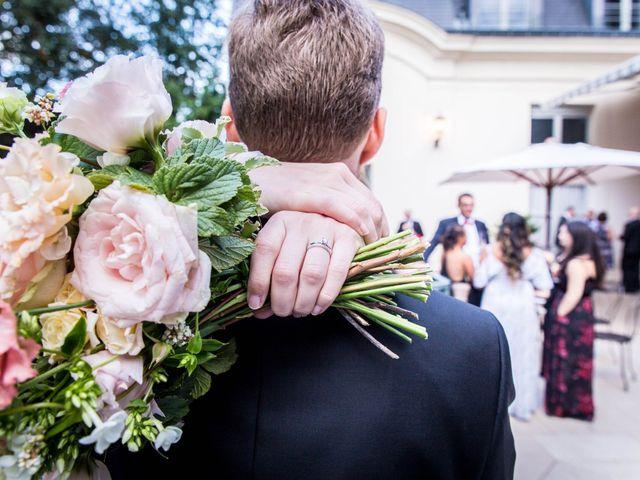 Le mariage de Zach et Dana à Paris, Paris 10