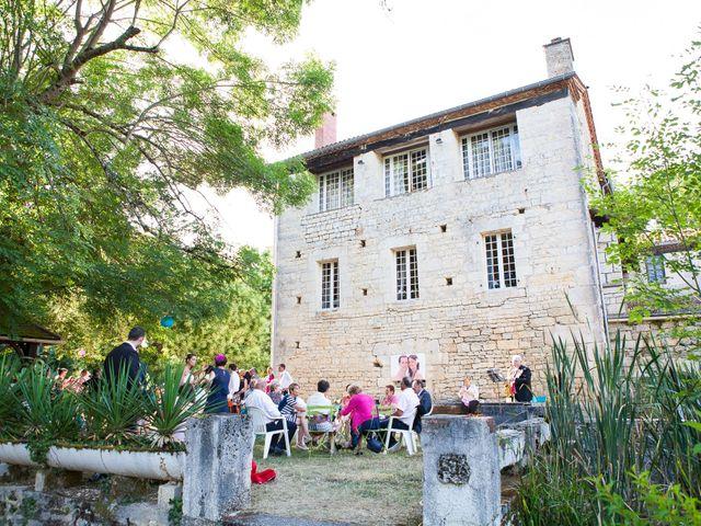 Le mariage de Camille et Caroline à Saint-Cirq-Lapopie, Lot 24