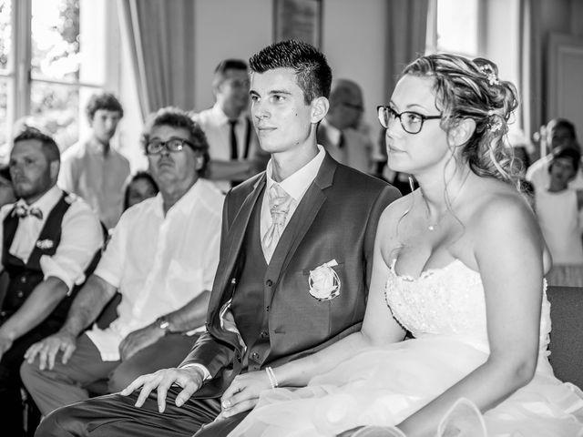 Le mariage de Ludovic et Alexandra à Civray, Vienne 14
