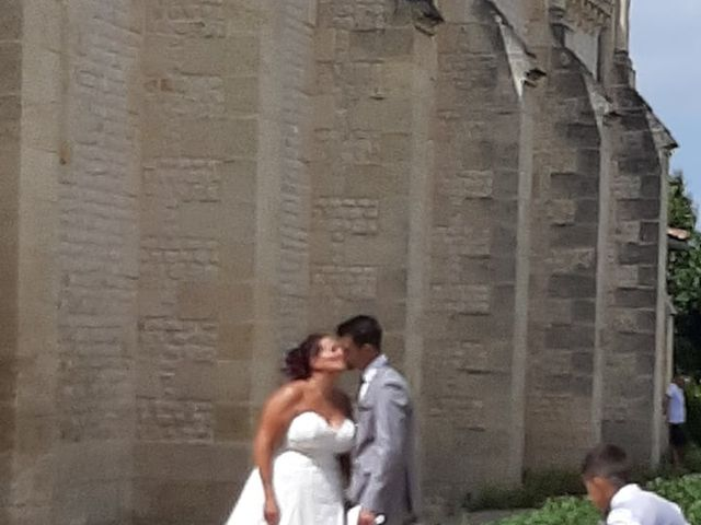 Le mariage de Jonathan et Emmanuelle à Castelnau-de-Médoc, Gironde 6