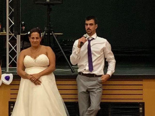 Le mariage de Jonathan et Emmanuelle à Castelnau-de-Médoc, Gironde 10