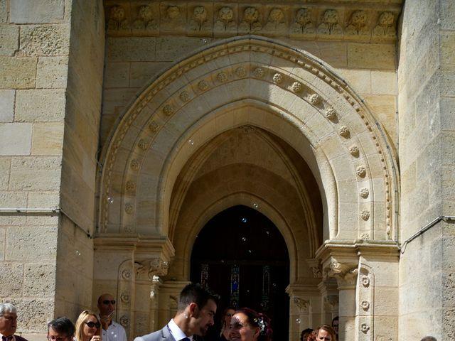 Le mariage de Jonathan et Emmanuelle à Castelnau-de-Médoc, Gironde 11