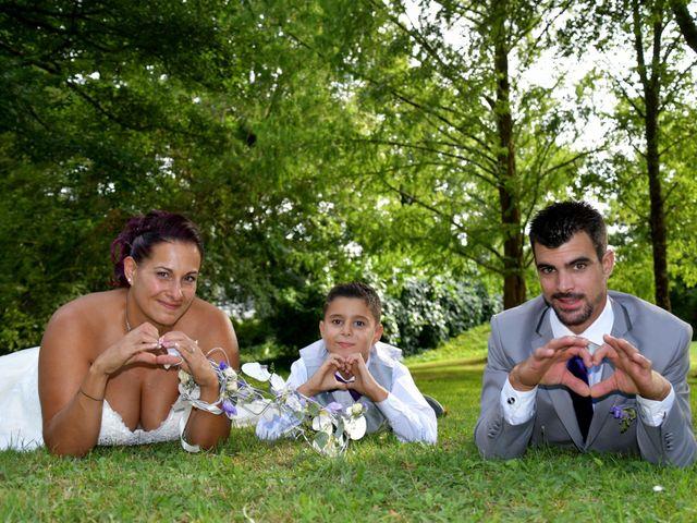 Le mariage de Jonathan et Emmanuelle à Castelnau-de-Médoc, Gironde 2