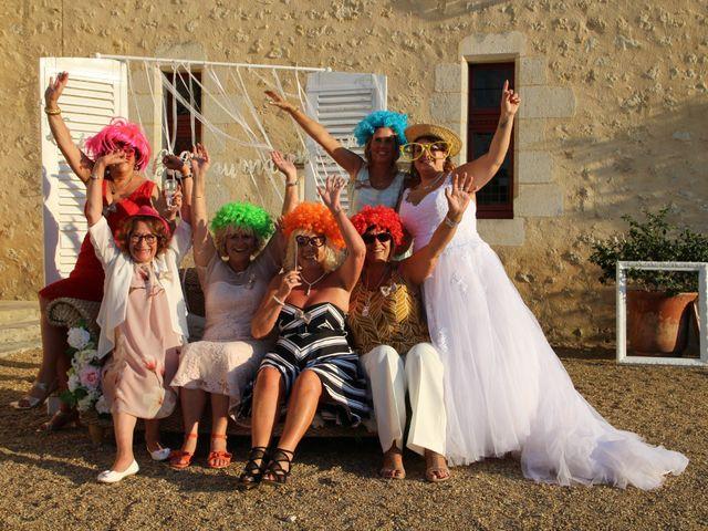 Le mariage de Thomas et Julie à Galgon, Gironde 27