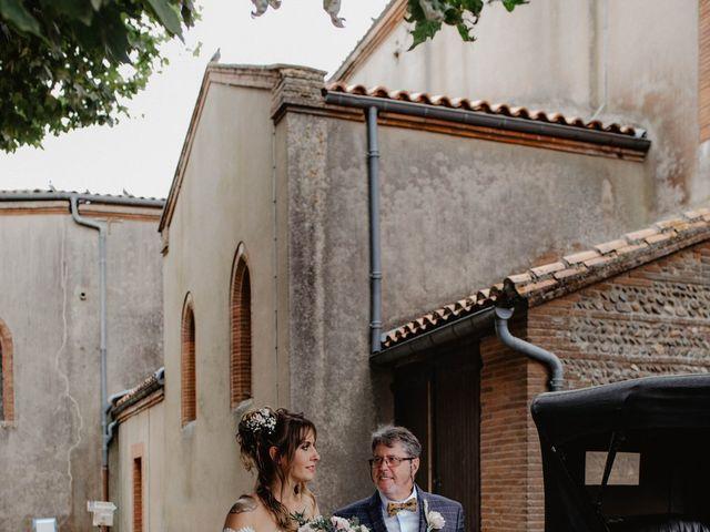 Le mariage de Florent et Laura à Saint-Clar-de-Rivière, Haute-Garonne 12