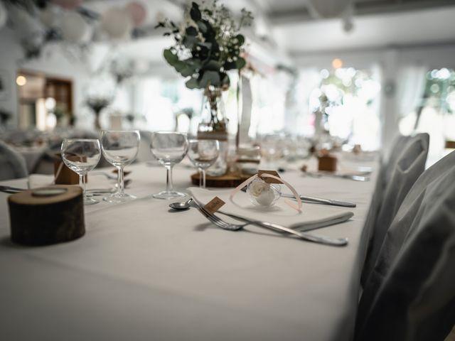 Le mariage de Anthony et Sylvia à Grambois, Vaucluse 10