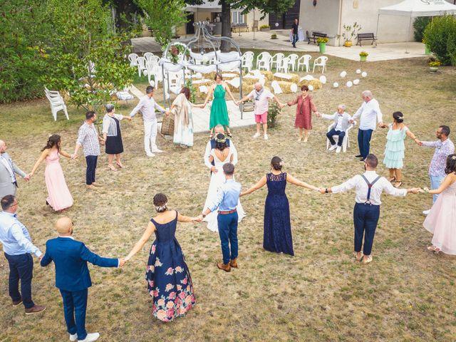 Le mariage de Anthony et Sylvia à Grambois, Vaucluse 28