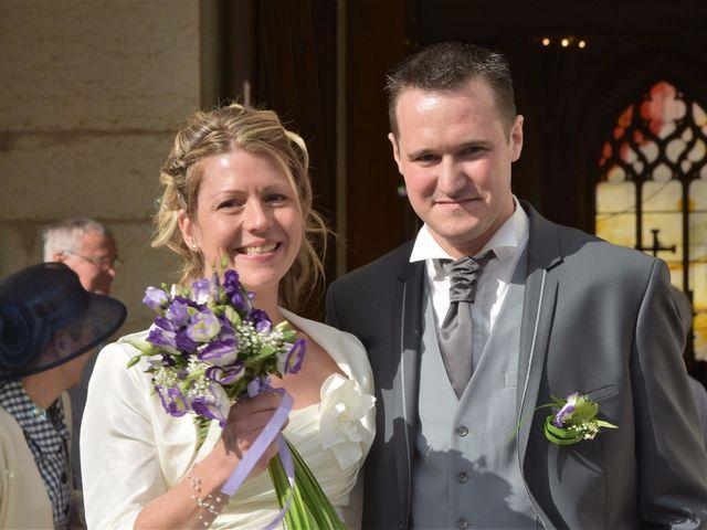 Le mariage de Richard et Marie  à Orchamps-Vennes, Doubs 17