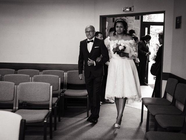 Le mariage de Yann et Julie à Lanvénégen, Morbihan 23