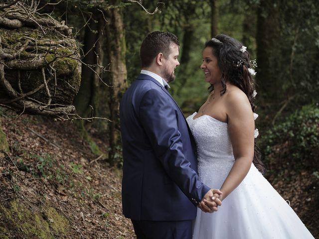 Le mariage de Yann et Julie à Lanvénégen, Morbihan 42