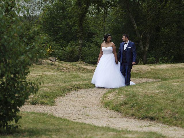 Le mariage de Yann et Julie à Lanvénégen, Morbihan 43