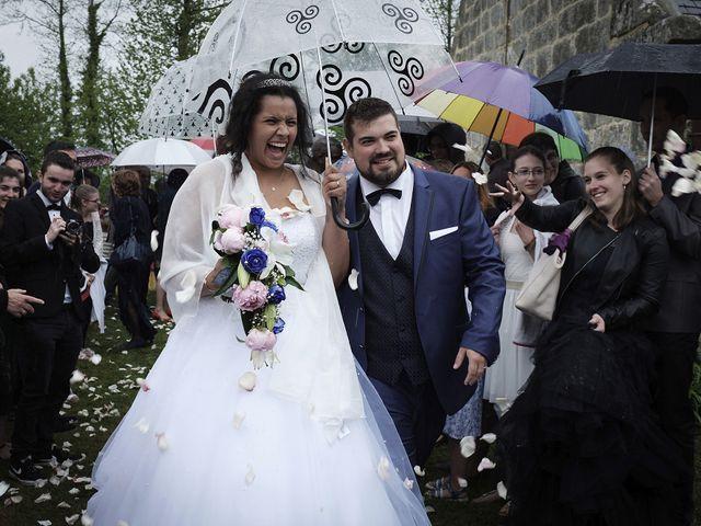 Le mariage de Yann et Julie à Lanvénégen, Morbihan 61