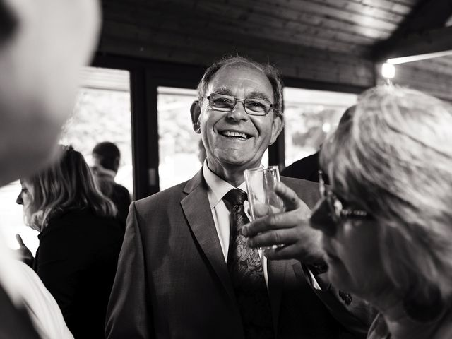 Le mariage de Yann et Julie à Lanvénégen, Morbihan 70