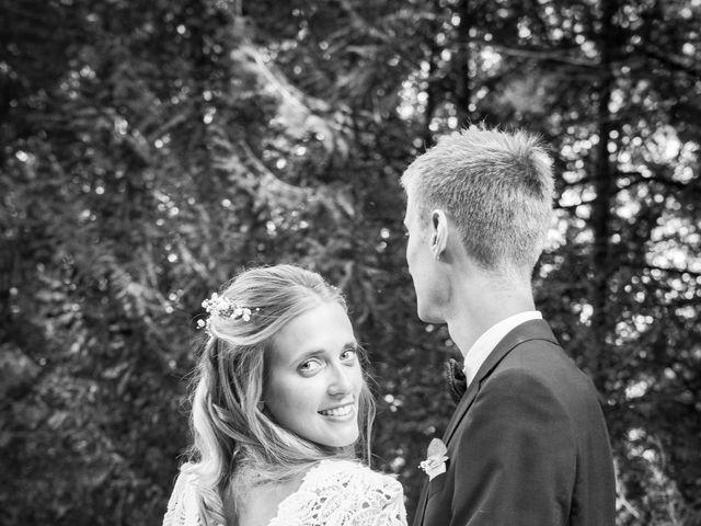 Le mariage de Edouard et Julie à Saint-Symphorien-le-Château, Eure-et-Loir 21