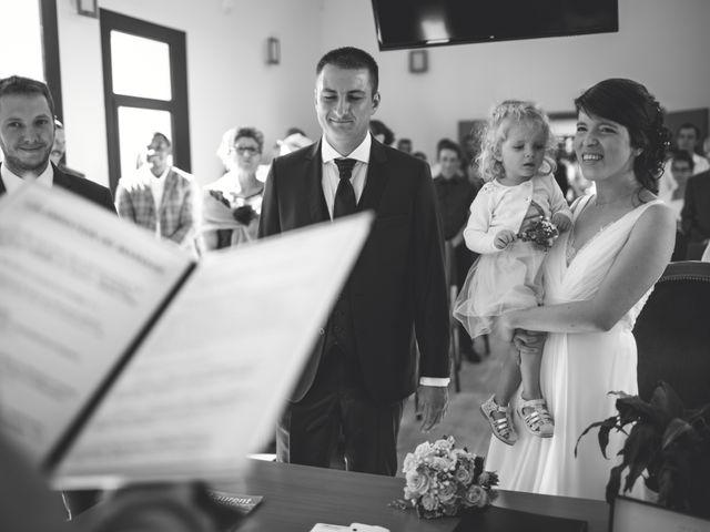 Le mariage de Christophe et Maïlys à Saint-Laurent-sur-Sèvre, Vendée 14
