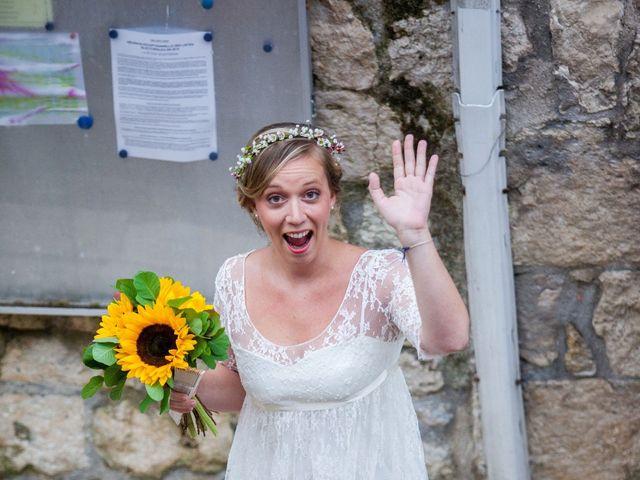 Le mariage de Adrien et Héloïse à Beaussac, Dordogne 6
