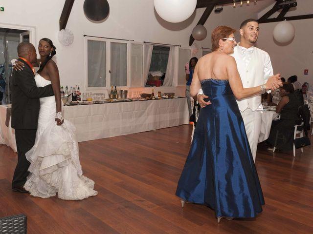 Le mariage de Banjamin et Lea à Neuilly-sur-Marne, Seine-Saint-Denis 32