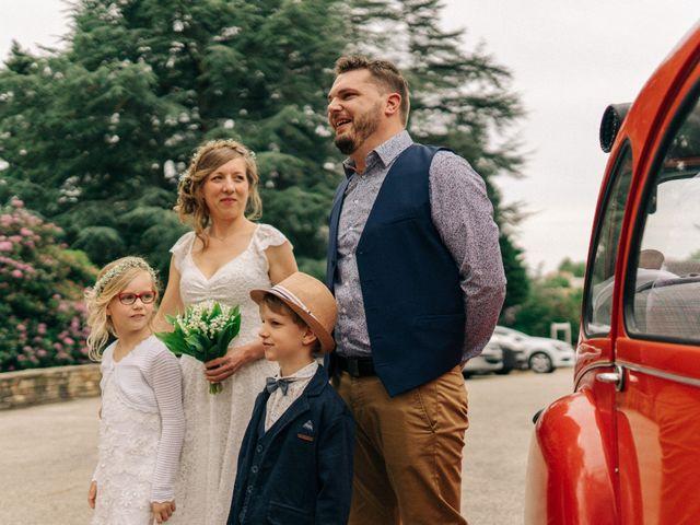 Le mariage de Thomas et Claire à Saint-Genest-Malifaux, Loire 2