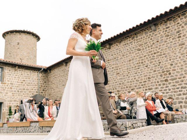 Le mariage de Thomas et Claire à Saint-Genest-Malifaux, Loire 6