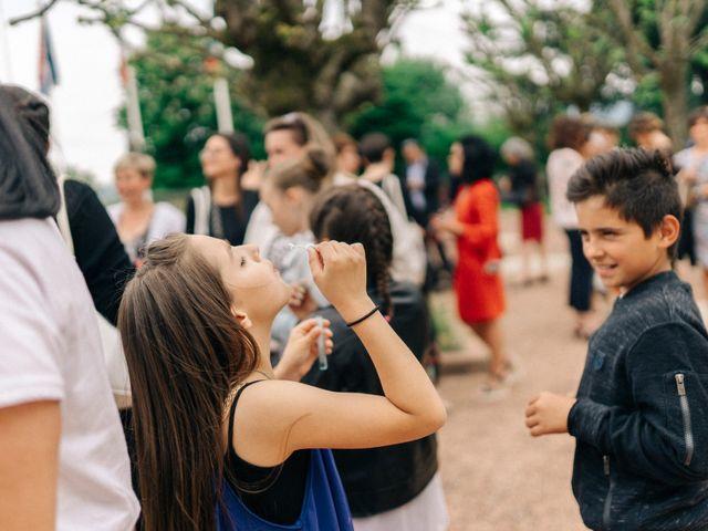 Le mariage de Thomas et Claire à Saint-Genest-Malifaux, Loire 31