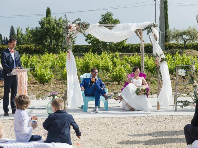 Le mariage de Olivier et Julie à Camaret-sur-Aigues, Vaucluse 14