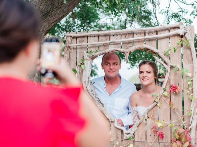 Le mariage de Jean-Christophe et Wanda à Le Thor, Vaucluse 55