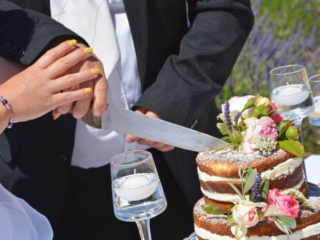 Le mariage de Vincent et Marine à Valensole, Alpes-de-Haute-Provence 22