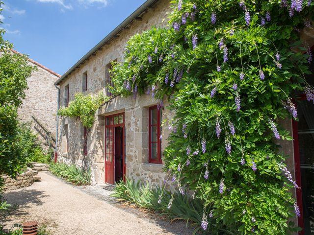 Le mariage de Benoit et Solène à Tiffauges, Vendée 31