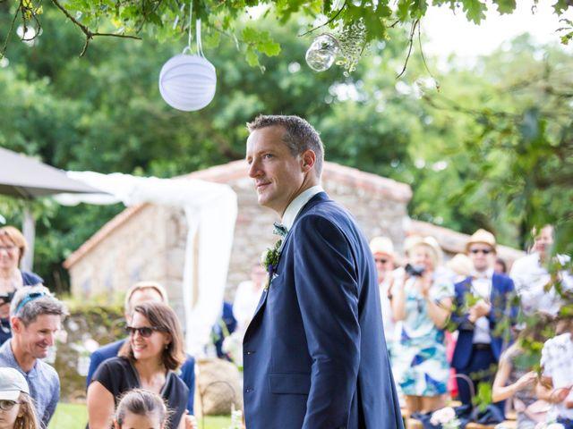Le mariage de Benoit et Solène à Tiffauges, Vendée 84