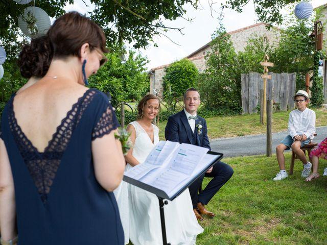Le mariage de Benoit et Solène à Tiffauges, Vendée 94
