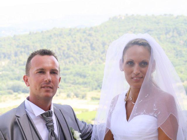 Le mariage de Guillaume et Lucie à Gordes, Vaucluse 3