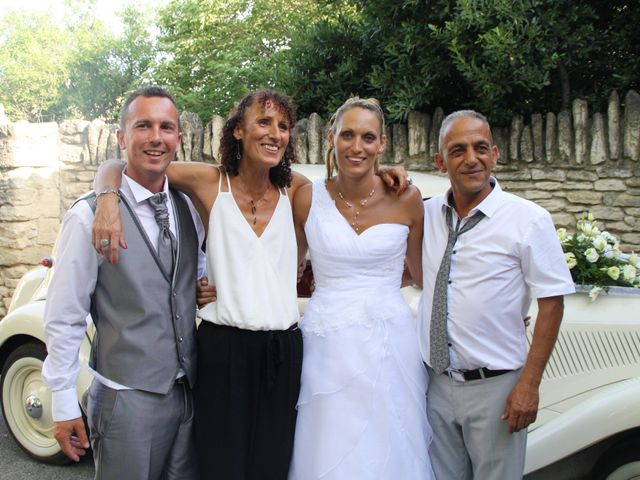 Le mariage de Guillaume et Lucie à Gordes, Vaucluse 6