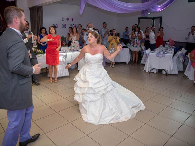 Le mariage de Valentin et Stéphanie à Pléaux, Cantal 2