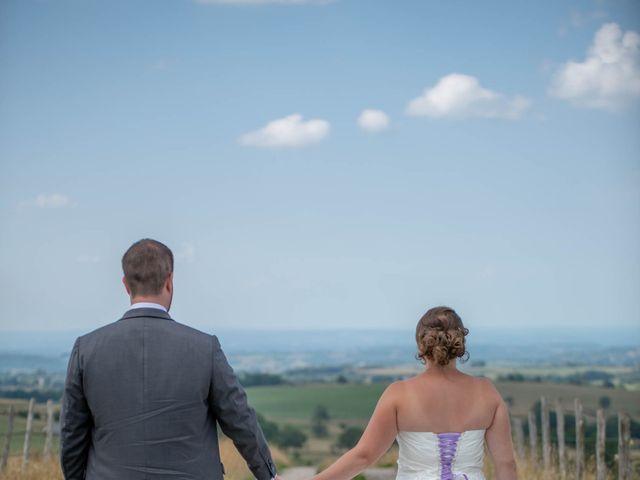 Le mariage de Valentin et Stéphanie à Pléaux, Cantal 10