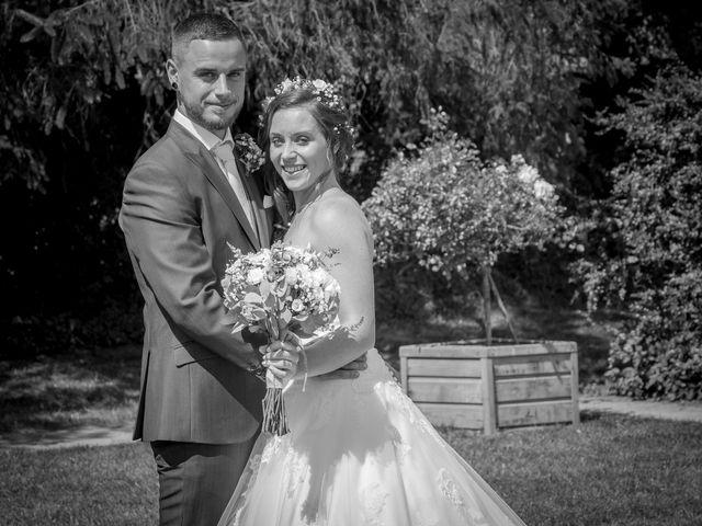 Le mariage de Pierre et Helene à Bosc-le-Hard, Seine-Maritime 16