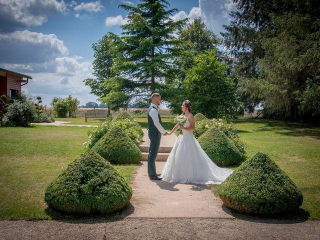 Le mariage de Pierre et Helene à Bosc-le-Hard, Seine-Maritime 17
