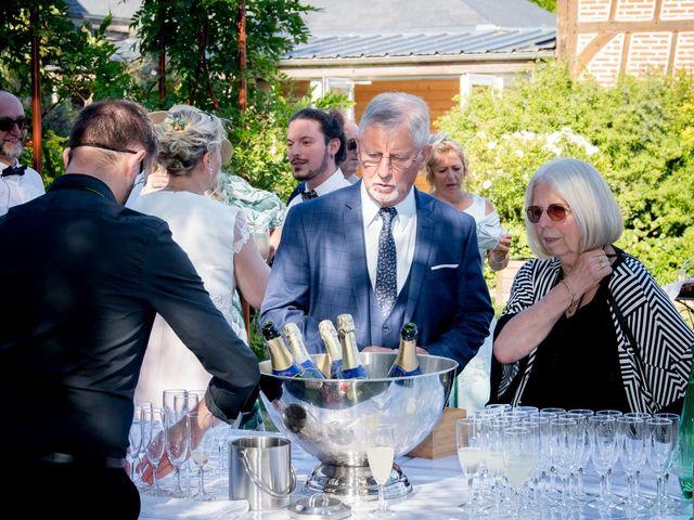 Le mariage de Pierre et Helene à Bosc-le-Hard, Seine-Maritime 37