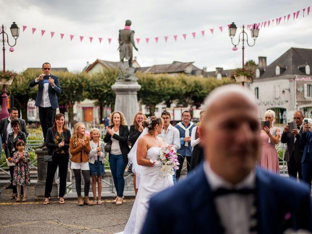 Le mariage de Sébastien et Isabelle à Pontacq, Pyrénées-Atlantiques 32