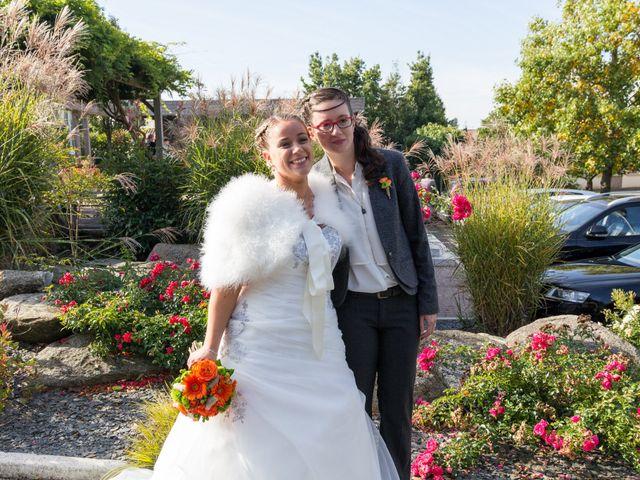 Le mariage de Cécile et Élodie à La Séguinière, Maine et Loire 21
