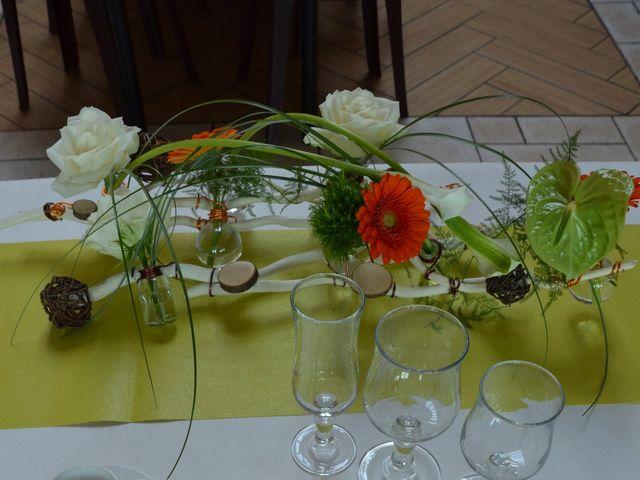 Le mariage de Cécile et Élodie à La Séguinière, Maine et Loire 32