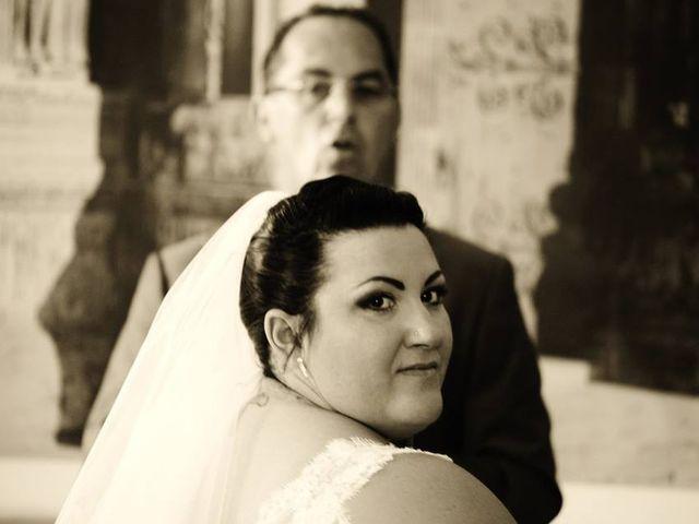 Le mariage de Christophe et Delphine à Saint-Gilles, Gard 2