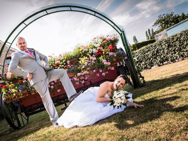 Le mariage de Eric et Aurélie à Wormhout, Nord 13