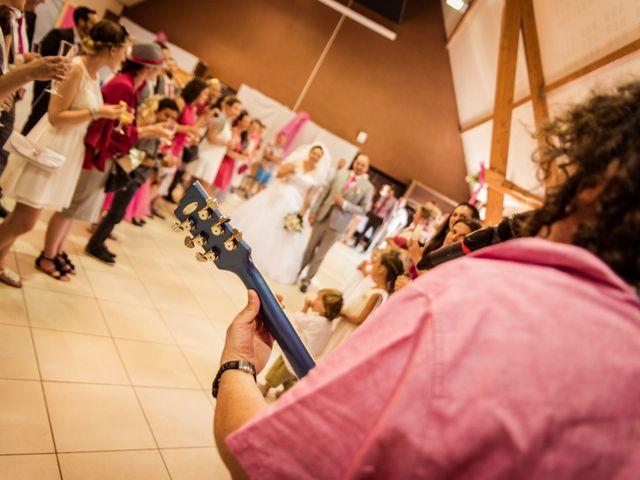 Le mariage de Eric et Aurélie à Wormhout, Nord 15