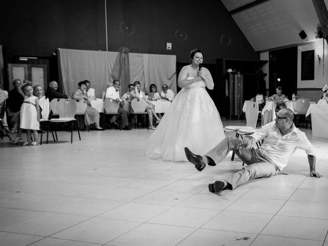 Le mariage de Eric et Aurélie à Wormhout, Nord 23