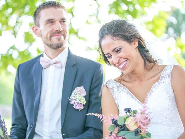 Le mariage de Joffrey et Amal à Saint-Porchaire, Charente Maritime 33