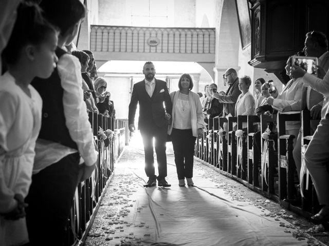 Le mariage de Jordane et Morganne à Fouchères, Aube 13
