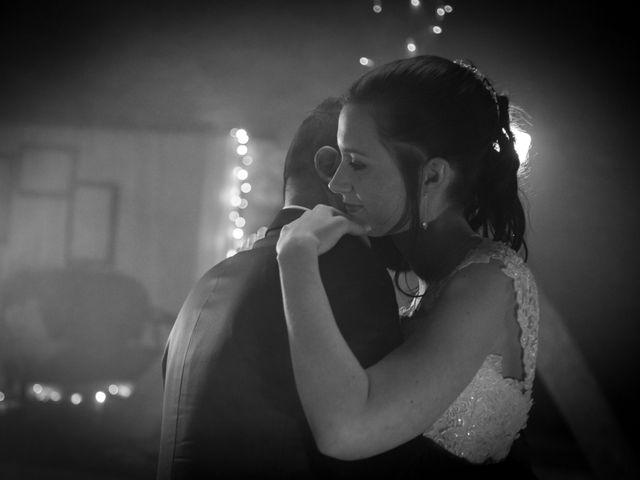 Le mariage de Jordane et Morganne à Fouchères, Aube 33
