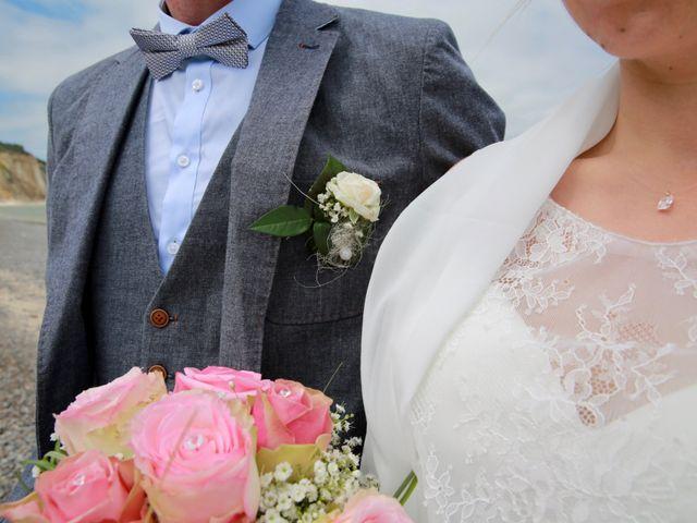 Le mariage de Cédric et Elodie à Manéhouville, Seine-Maritime 8