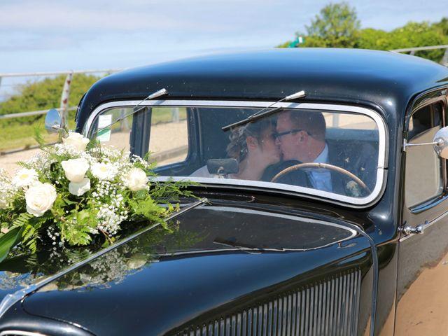 Le mariage de Cédric et Elodie à Manéhouville, Seine-Maritime 9