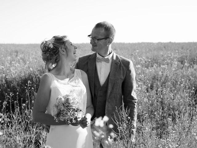 Le mariage de Cédric et Elodie à Manéhouville, Seine-Maritime 11